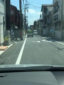 細い道路の走り方